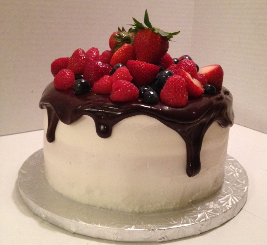 Strawberry choclate cake - 1.5kg