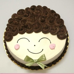 Smiley Doll Face Cake