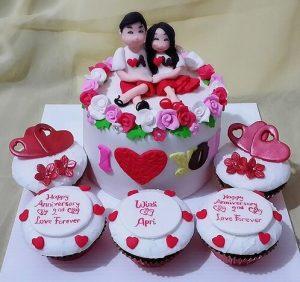 Lovely Couple Cake - Fondant Cake
