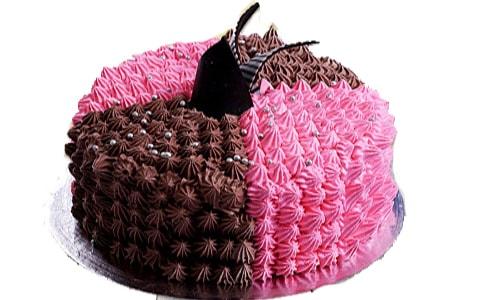 Charming Cream Cake