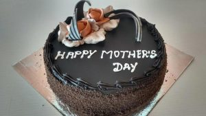 Delicious Chocolate Cake to Mom