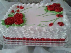 Attractive whitish Cake