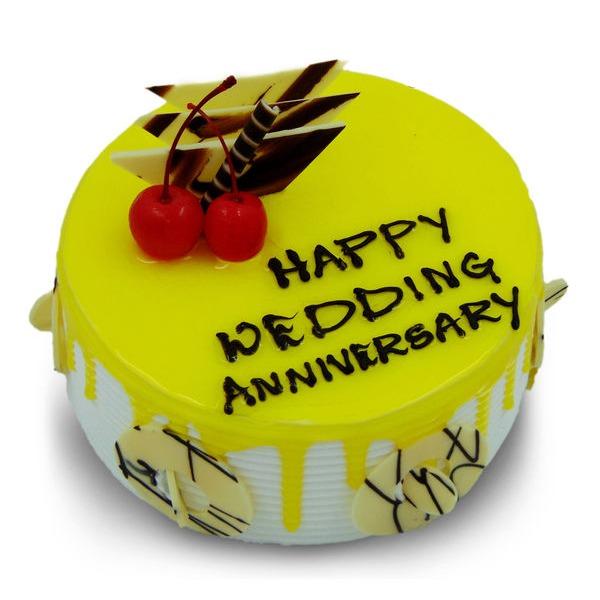 Yummy wedding Anniversary cake